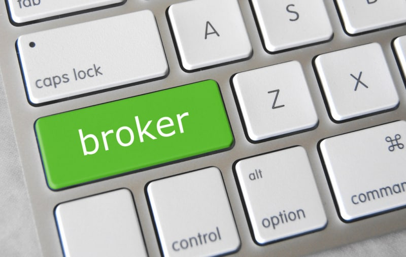 how to trade cryptocurrency without a broker