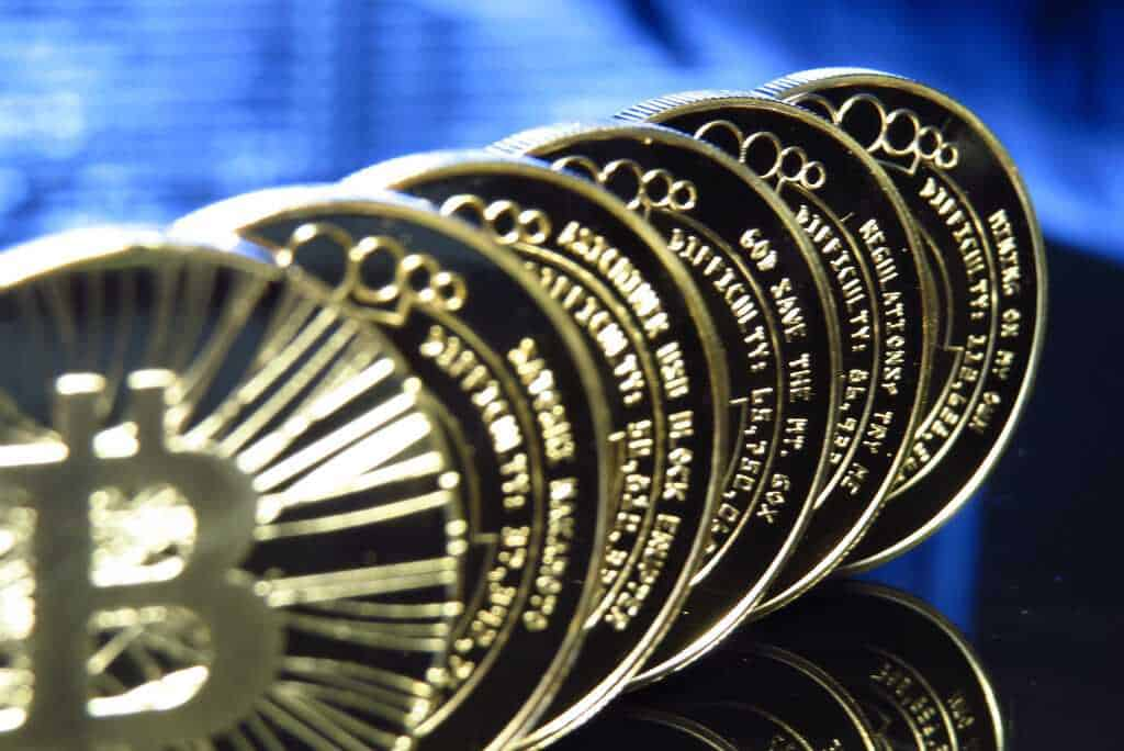 MONETIZING BITCOIN - THE TECHNOLOGY BEHIND BITCOIN AND ITS USES 40