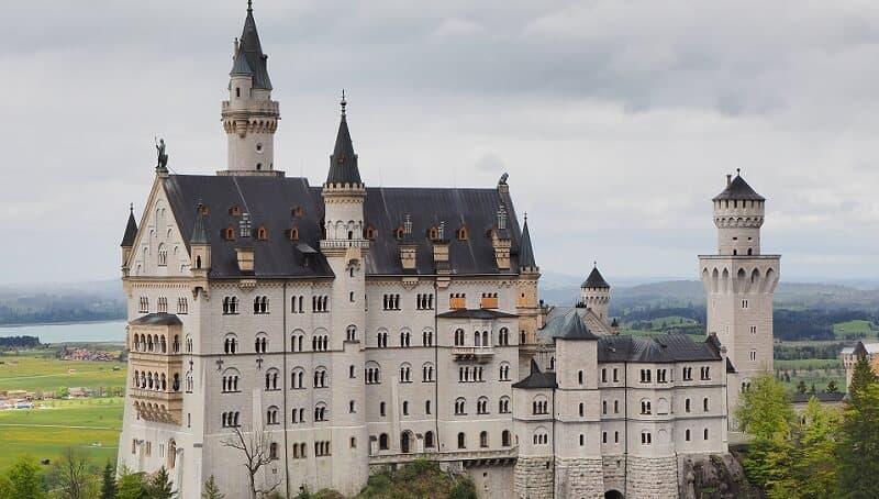 Negative Interest Rates Make the Turmoil in Germany